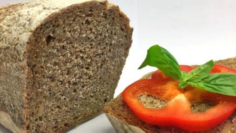 pâine integrală dospită cu maia – felie