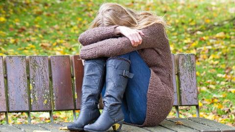 astenia de primăvară sau de ce suntem trişti şi fără putere tocmai când iarna ne părăseşte.