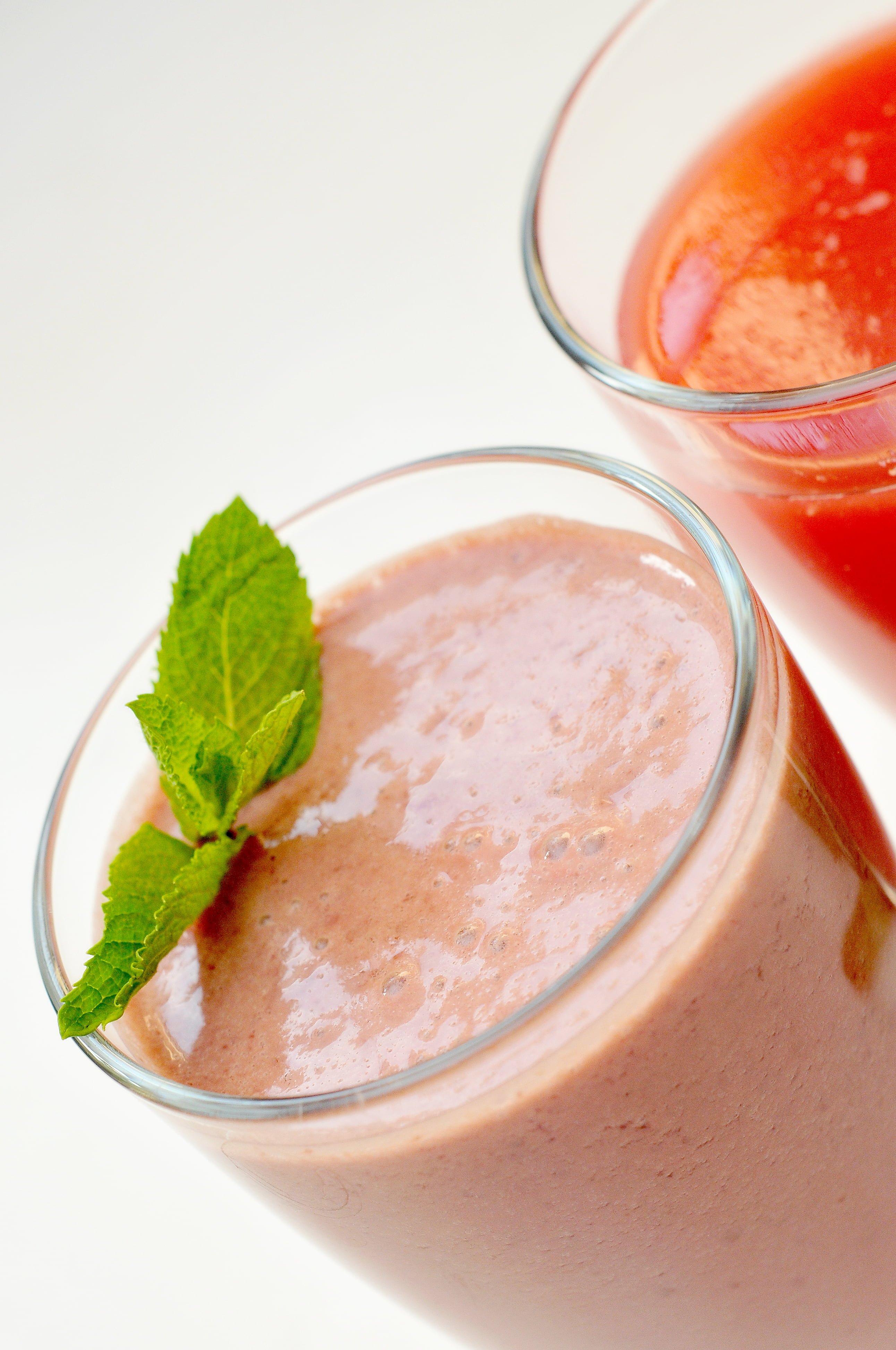 smoothie cu fructe de pădure